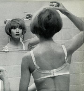 elisabeth-dans-masculin-feminin-fullscreen-1
